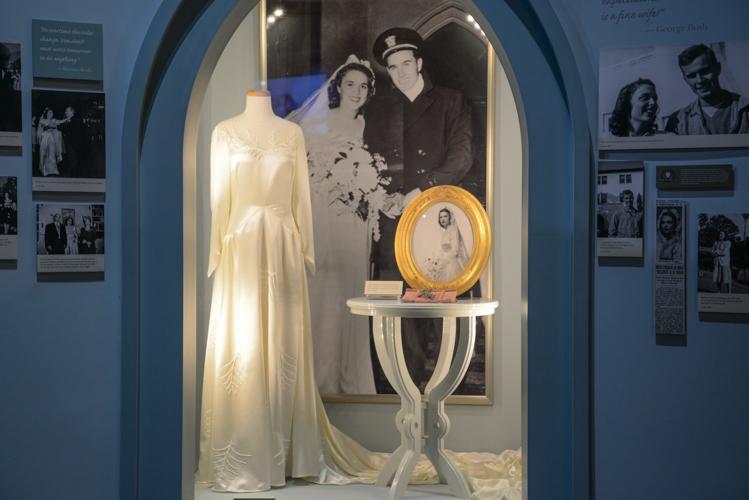 Wedding Dress (Replica)